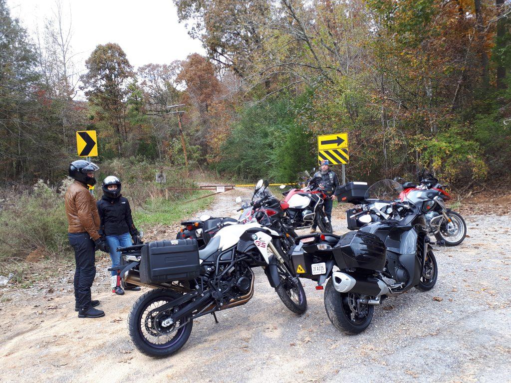 Conheça a Flórida em uma road trip - Moto na estrada