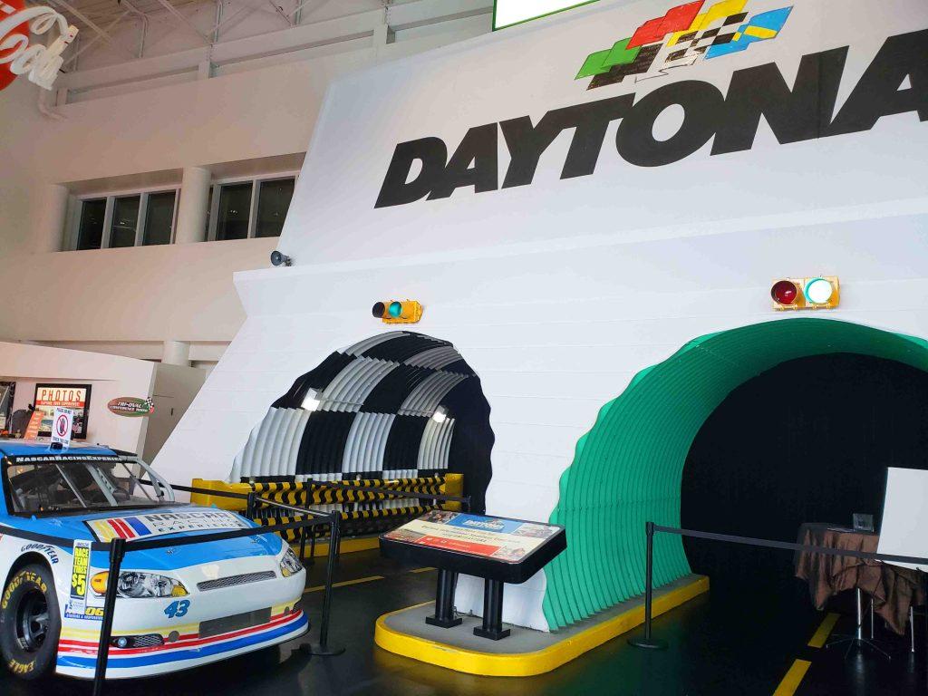 Acelere um carro da Nascar em Daytona Beach