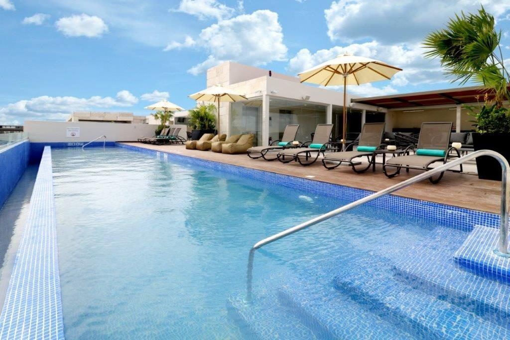 Holiday Inn Express & Suites Playa del Carmen